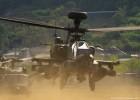 土煙を巻き上げながら離陸! AH-64D アパッチ・ロングボウ 2014-4-27 陸自善通寺基地