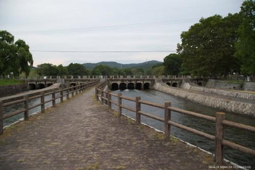 南配水樋門 左から、西岸用水、西部用水、南部用水、備前樋用水、倉敷用水
